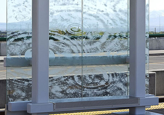 Safety glass with laser pattern
