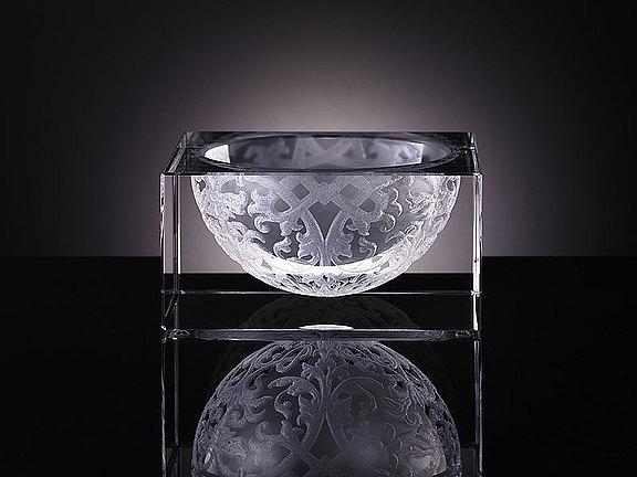 Crystal bowl with laser design